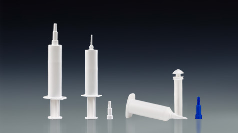 Plastic syringe is an important packaging form of cockroach medicine