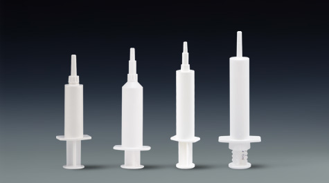 How to put cockroach-killing glue bait through plastic syringe
